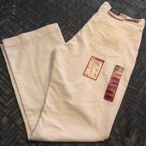 New Levi Strauss Midrise Boot Cut Jeans Size 18M
